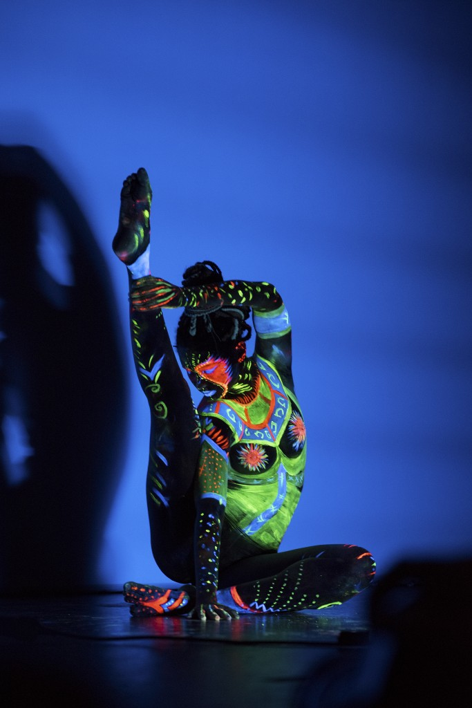 Bodypainting con Black Light, Arteness